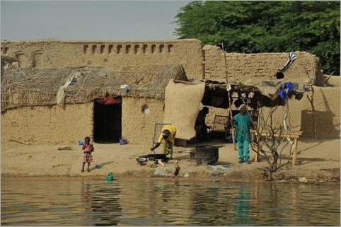 5b. Life on the Niger.Timbuktu to Ouagadougou 082