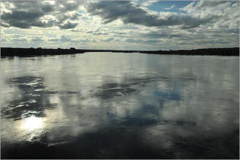 11a. Flooded Zambezi near Namibian border, 200km from Vic Falls