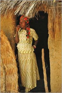 4c Woman, Bimberra Bas