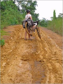 6a. Rains turn the track to clay, after Bakoumba near Gabon - ROC border